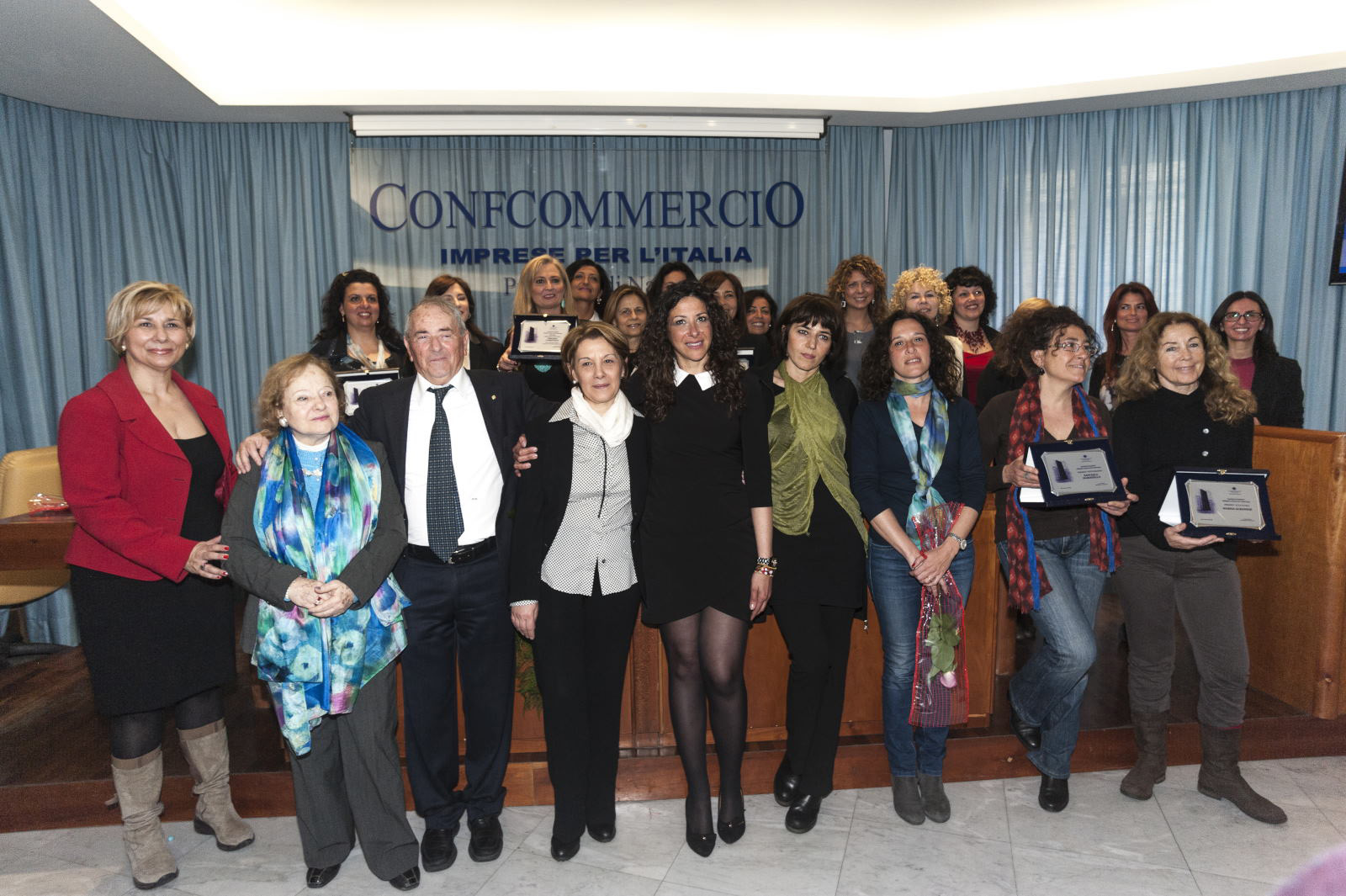 """Eccellenze, il premio """"Donna in carriera"""" a Di Benedetto e D"""