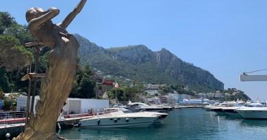 "Grande successo per la mostra di ""Dalì"" a Capri"