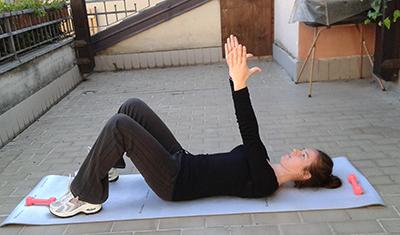 Esercizio 3 sit up + crunch inversi 1