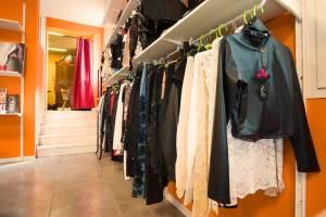 Abbigliamento e accessori transessuali crossdresser sex shop Bologna L'extase Sexy Shop Bologna
