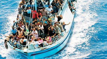 Lettera aperta al Prefetto. Rifugiati, lo Stato paga 36€ al giorno, e dobbiamo far loro anche le pulizie, mentre noi ci sentiamo cittadini di serie B. La misura è colma.