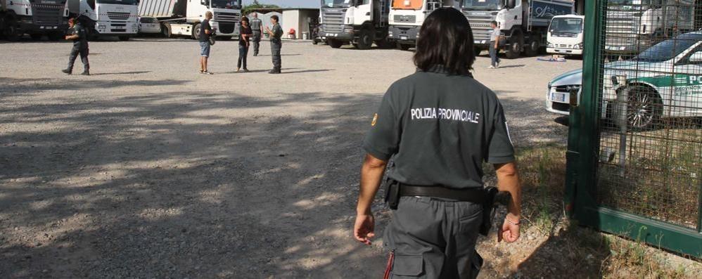 sequestrato-un-terreno-provinciale-a-seveso-denuncia-per-limpresa-edile-con_1d4312a6-29ae-11e5-ae3f-b9b2c1768530_998_397_big_story_detail