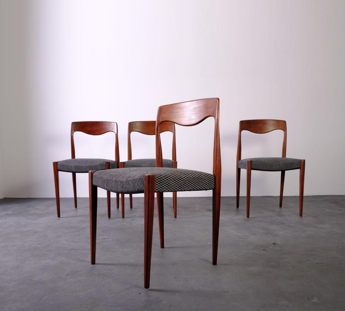 sedie osteria vintage anni '60 49€ vendo n.4 sedie da osteria anni '60 integre e sane. Sedie Scandinave In Legno Di Teak Massello Anni 60 Ilnecessaire