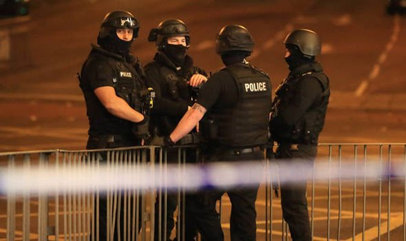 Attentato di Manchester: arrestati padre e fratello dell'attentatore