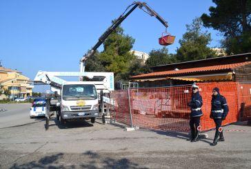 Iniziata la rimozione del chiosco abusivo presso la rotatoria Sant'Onofrio