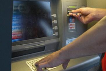 Preleva 500 euro col bancomat che aveva rubato: denunciato 17enne di Vasto