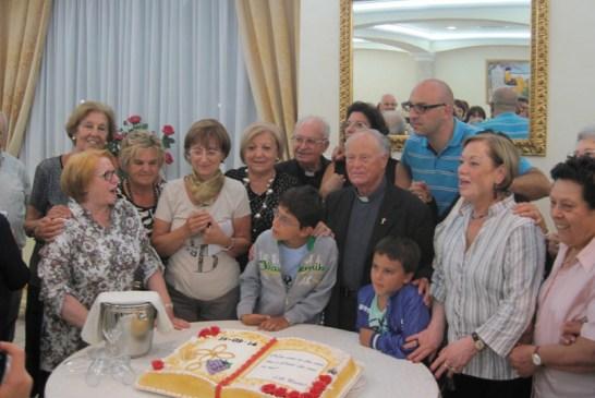 Don Gino e i parrocchiani