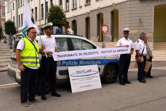 manifestazione-polizia municipale - 037