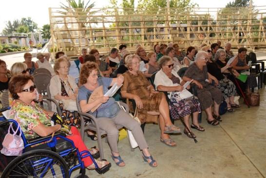 Amici degli Anziani_ vacanza alla Grotta del Saraceno_23_08_2015.004