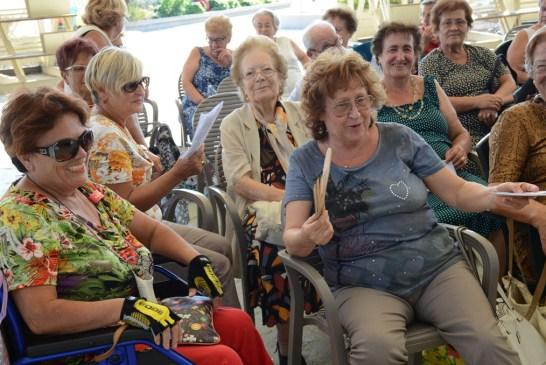 Amici degli Anziani_ vacanza alla Grotta del Saraceno_23_08_2015.005