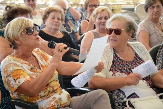 Amici degli Anziani_ vacanza alla Grotta del Saraceno_23_08_2015.010
