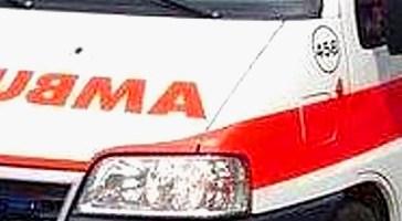 Ambulanza della Valtrigno si ribalta sulla Strada Statale 16