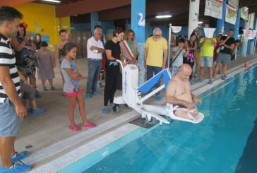 San Salvo: alla piscina comunale consegnato un sollevatore elettrico