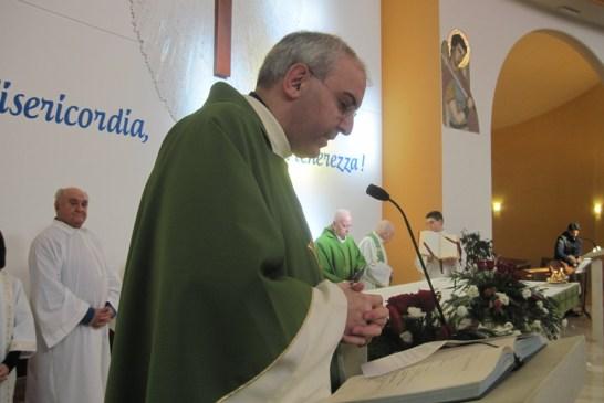 2 - Il saluto iniziale del parroco don Gianni Carozza