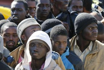 Centro migranti, scatta una denuncia