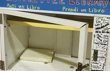 Little Free Library, vetrina rotta e furto dei libri
