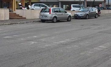 Strisce pedonali sbiadite, traffico e semafori spenti, è allarme pedoni in centro a Vasto