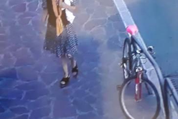 La madre di Selvaggia Lucarelli vista l'ultima volta in via Cardone