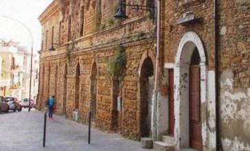 Vasto, cade a pezzi il nobile palazzo Genova-Rulli