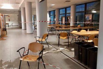 Maltempo, crollano pezzi di soffitto nell'Università d'Annunzio, esonda il fiume Alento