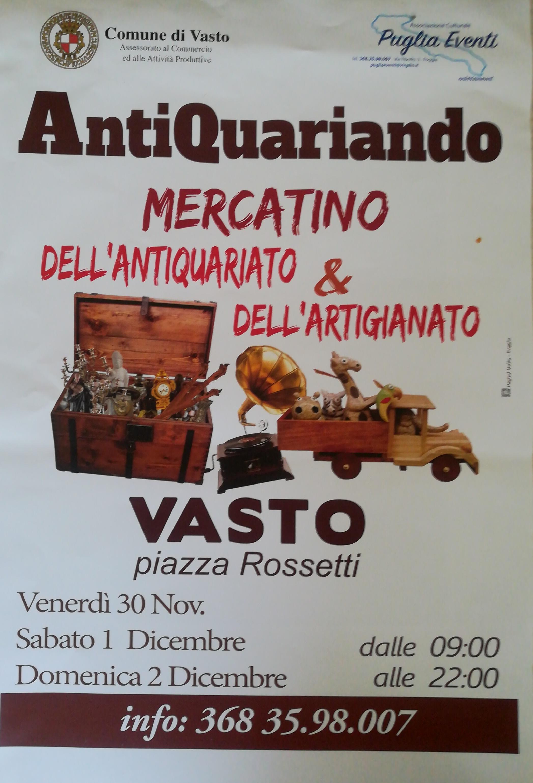 Calendario Mercatini Antiquariato Puglia.In Piazza Rossetti Il Mercatino Dell Antiquariato E Dell