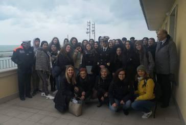 Gli studenti del Pantini Pudente e dell'Erasmus Plus in visita alla capitaneria di Porto