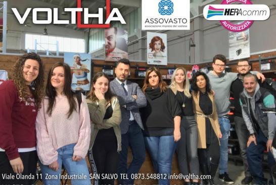 I ragazzi del Mattei con i responsabili Voltha
