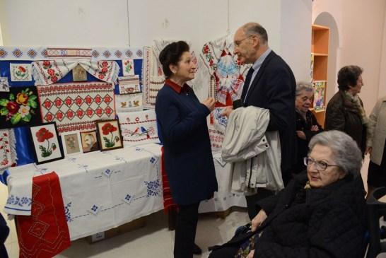Associazione_Amici degli Anziani_mostra artigianale_E' Primavera_20190511_034