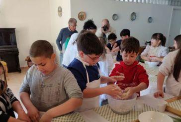 I ragazzi della terza C della Spataro alla scoperta del pane …primitivo