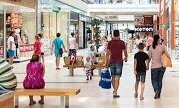 Nuovi centri commerciali: si apre lo scontro