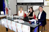 Raffaella Milandri affascina il pubblico con i racconti dei suoi viaggi