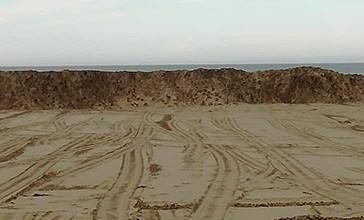 Jovanotti, la spiaggia e gli ambientalisti