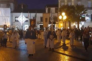 Tanti i fedeli alla processione di San Michele