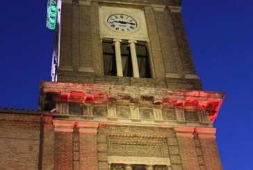 Casalbordino, la Torre Civica si illumina con il Tricolore. Marinucci poi lancia un appello: