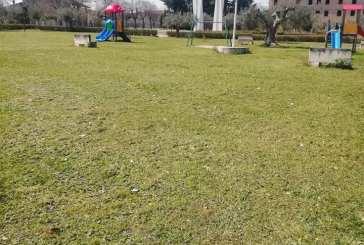 Proseguono i lavori di sfalcio e taglio dell'erba a Casalbordino