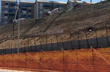 Procedono i lavori di risanamento idrogeologico del promontorio di Punta Penna