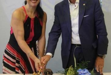 Passaggio del martelletto al Lions Club San Salvo. Antonio Cocozzella lascia la presidenza a Romina Palombo