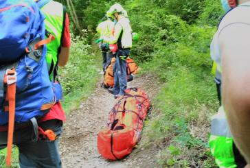 Turista toscano si rompe una spalla durante l'escursione, recuperato dal Soccorso Alpino