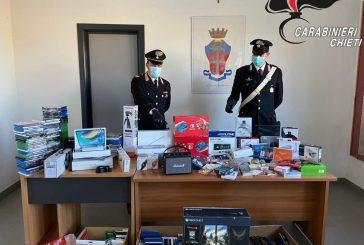 Sorpreso a rubare, gli perquisiscono casa e trovano 100mila euro di refurtiva: arrestato dai Carabinieri