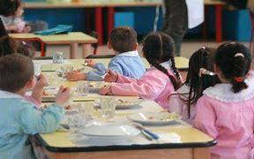 Covid, bambini seduti troppo vicini, blitz dei Nas nelle mense delle scuole
