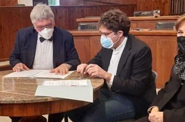 Vaccini al PalaBcc, firmata la convenzione. Schael: