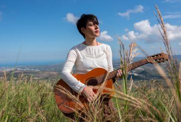 Lara Molino riparte con la sua musica popolare da Vola Vola a Todo cambia