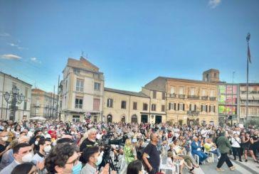 Vasto, ieri un autentico bagno di folla per Francesco Menna