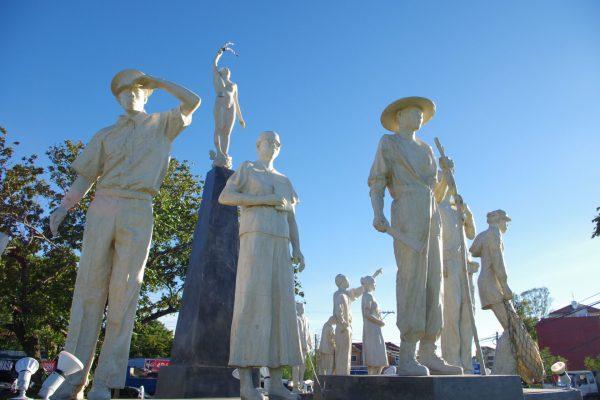 Ilocos Norte Migrants Monument-20151218-01-IM3P0510