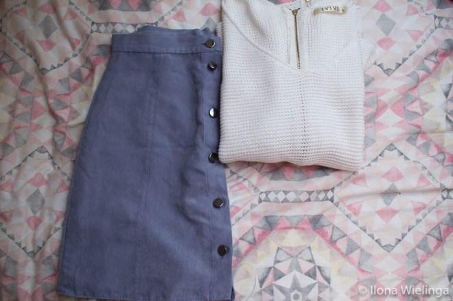 kringloop 1 blauw rokje en witte trui