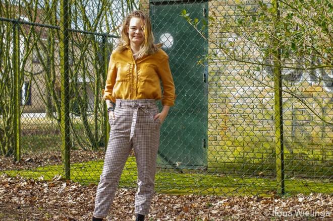 outfit 7 paperbagbroek H&M okergele blouse Primark