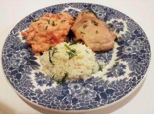 Ahjukanakints, riisi ja porgandi-hurmaasalatiga
