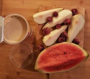 Arbuusi-pirni-kirsijogurt