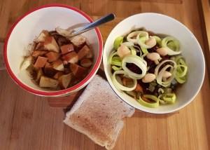 Köögiviljasalat ja röstsai ning õuna-kaneelijogurt