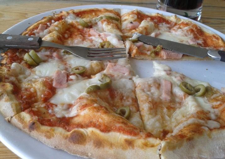 pizza eidam mácháč